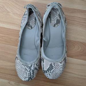 2/40🎁 Cole Haan Ballet Flats 10 Maria Nike Air